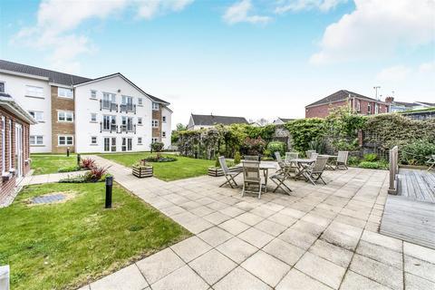2 bedroom apartment for sale - Birch Court, Sway Road, Morriston, Swansea
