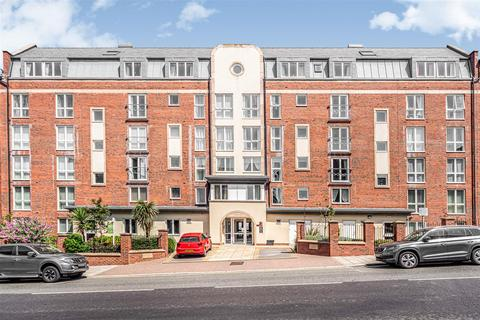 1 bedroom apartment for sale - North Bay Court, 119 North Marine Road, Scarborough, YO12 7JD
