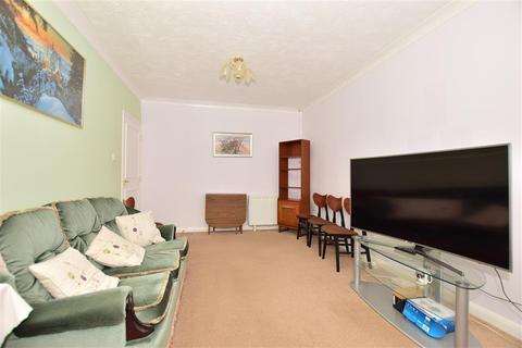 1 bedroom flat for sale - High Street, Chatham, Kent