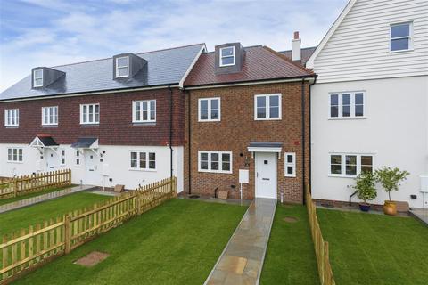 4 bedroom terraced house for sale - Chambers Wharf, New Creek Road, Faversham