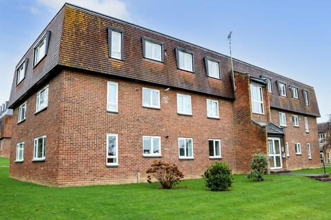 2 bedroom flat for sale - Caxton Way, Haywards Heath, RH16