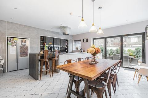 4 bedroom semi-detached house for sale - Groom Crescent, Earlsfield