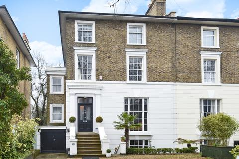 2 bedroom flat - Shooters Hill Road Blackheath SE3