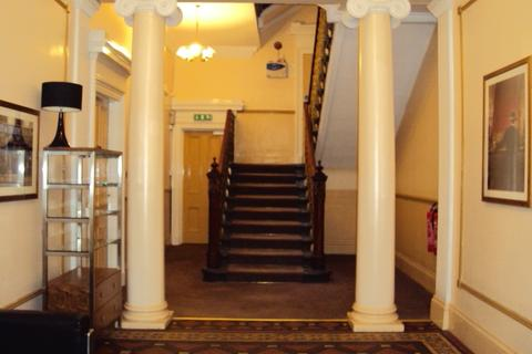 Property to rent - Woodside Place, Park, Glasgow, G3 7QL