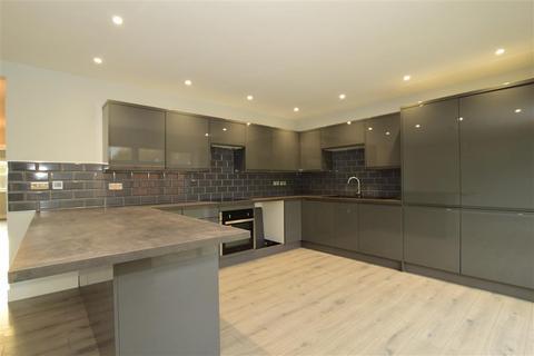 3 bedroom detached house for sale - Kingsingfield Road, The View, West Kingsdown, Sevenoaks, Kent