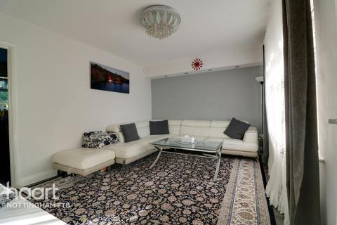 3 bedroom terraced house - Melbourne Road, Nottingham