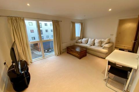 1 bedroom apartment to rent - Church Street, Epsom, KT17 4NR