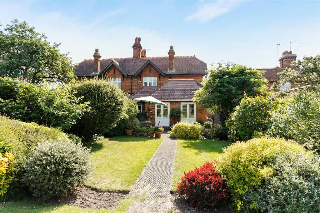 2 Bedrooms Semi Detached House for sale in Yewden Cottages, Hambleden, Henley-on-Thames, Oxfordshire, RG9