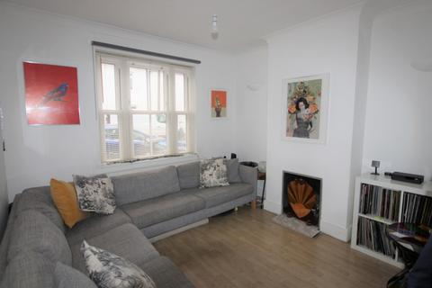 3 bedroom end of terrace house - Bynes Road, South Croydon, CR2