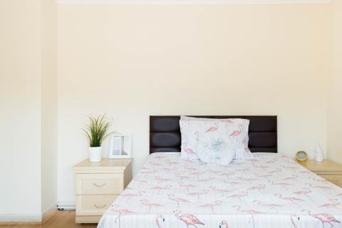 1 bedroom in a house share to rent - Dee Street , London E14