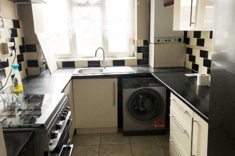 2 bedroom flat to rent - Oakway, Acton, London W3 7LD