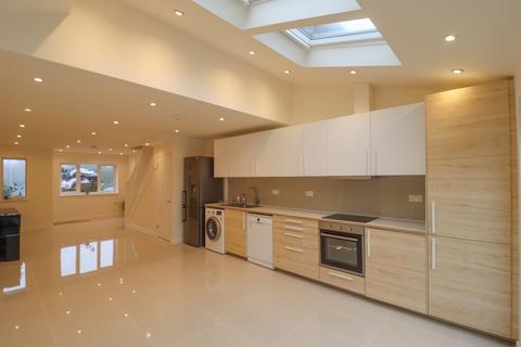 2 bedroom semi-detached house to rent - Teasel Way, Cambridge