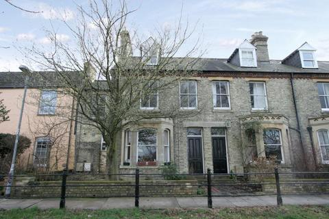 1 bedroom apartment - North Terrace, Cambridge, Cambridgeshire