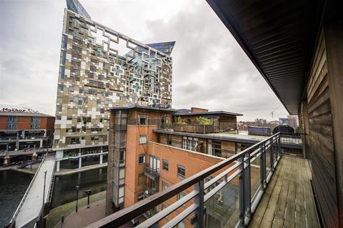 3 bedroom apartment for sale - Waterfront Walk, Birmingham