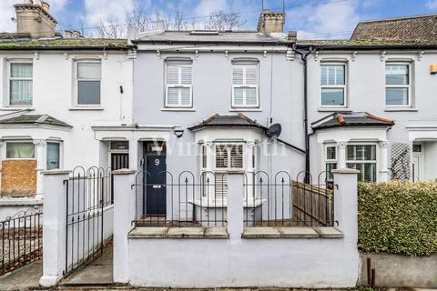 3 bedroom terraced house for sale - Bruce Castle Road, London, N17