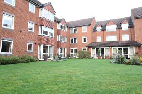 1 bedroom apartment to rent - Beechwood Court, Corfton Drive
