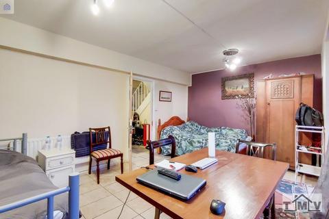 3 bedroom flat for sale - Rotherhithe New Rd, London, SE16 2AF