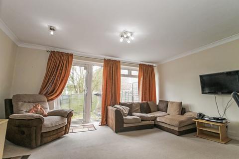 3 bedroom terraced house to rent - Chamberlain Lane, Pinner