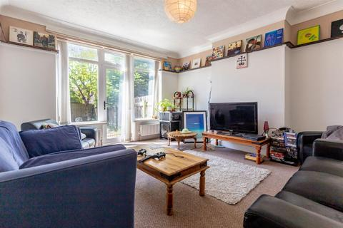 4 bedroom semi-detached house to rent - £72pppw - Beatrice Road, Heaton, Newcastle Upon Tyne