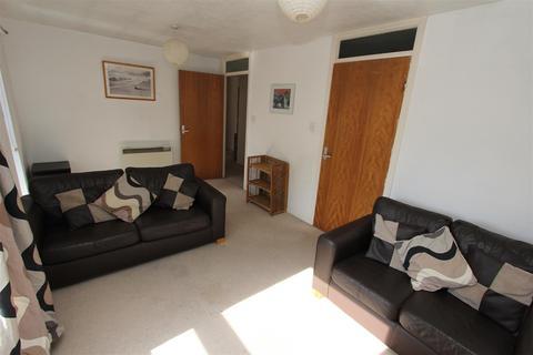 2 bedroom flat - Mount Pleasant Gardens, Leeds