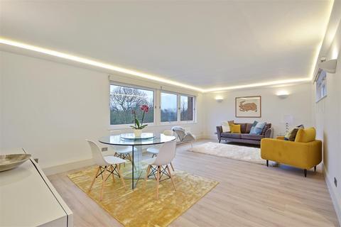 2 bedroom flat for sale - Westside, Ravenscourt Park, London W6