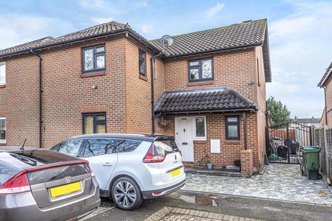 5 bedroom semi-detached house for sale - Aylebsury,  Buckinghamshire,  HP19