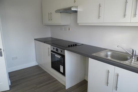 2 bedroom flat to rent - HIGH STREET, HORNCHURCH  RM12