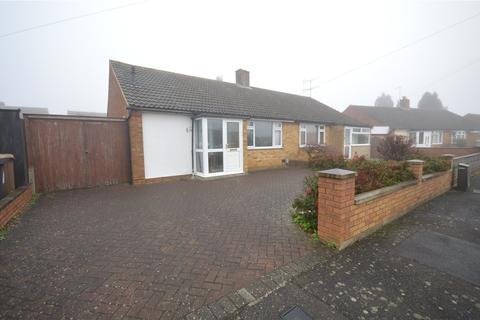 2 bedroom bungalow - Monton Close, Luton, Bedfordshire, LU3