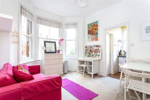 Studio to rent - Bromells Road, Clapham, SW4