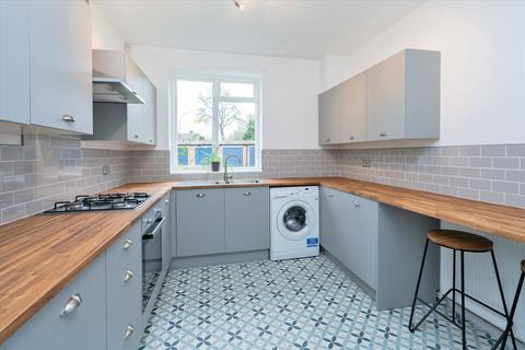 3 bedroom flat for sale - Burbage Road, Herne Hill London SE24