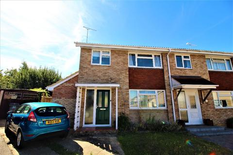 3 bedroom semi-detached house for sale - Whyverne Drive, Chelmsford, CM1 6UE