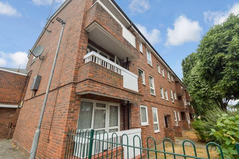 1 bedroom apartment for sale - Hunsdon Close, Dagenham, RM9