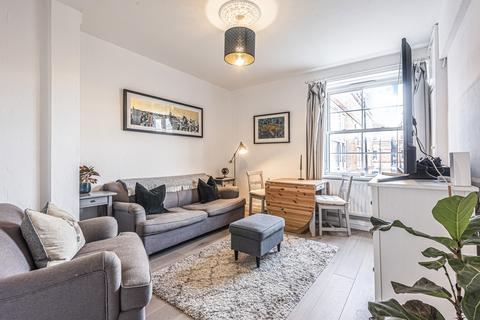 3 bedroom flat for sale - Vauban Estate London SE16