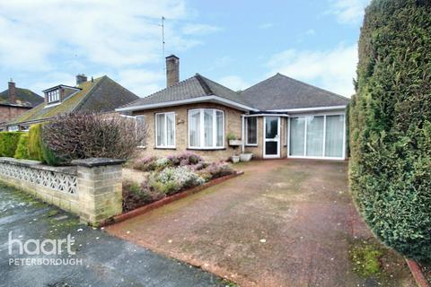 3 bedroom detached bungalow for sale - Latham Avenue, Peterborough