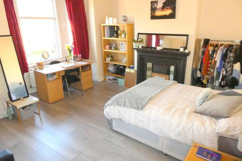 6 bedroom terraced house to rent - Lausanne Road, Withington, Manchester