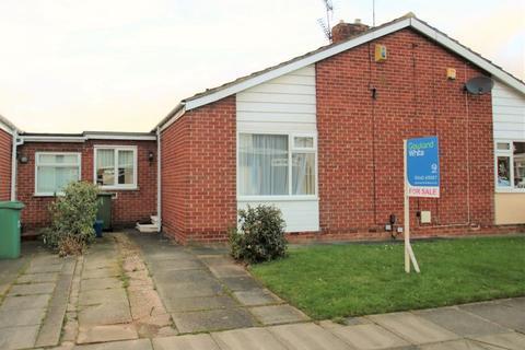 1 bedroom semi-detached bungalow - Weaverham Road, Norton, TS20 1QJ