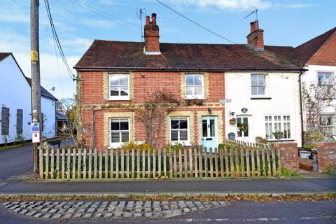4 bedroom cottage for sale - Pankridge Street, Farnham