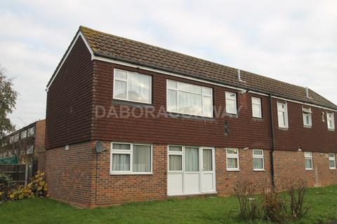 1 bedroom flat to rent - Mulberry Way, Barkingside IG6