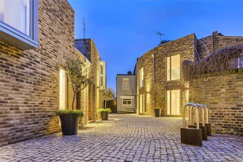 2 bedroom terraced house for sale - Lycett Place, London, W12