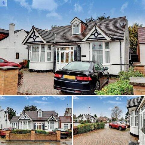 5 bedroom detached bungalow for sale - Egerton Gardens, Ilford