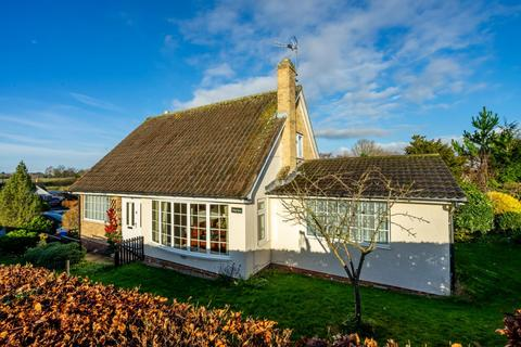 4 bedroom detached bungalow for sale - Viking Close, Stamford Bridge, York