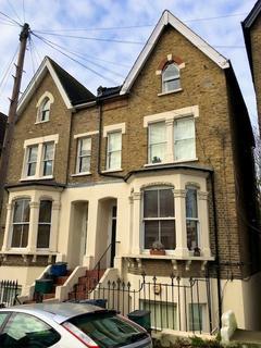 1 bedroom apartment - Rockmount Road, London, SE19