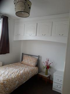 House share to rent - Brookdene Road, London, SE18