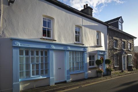 4 bedroom terraced house for sale - High Street , Crickhowell, Powys.