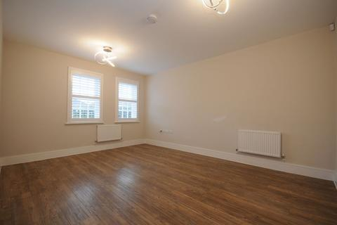 3 bedroom semi-detached house to rent - Wood Street, CHELMSFORD, Essex, CM2