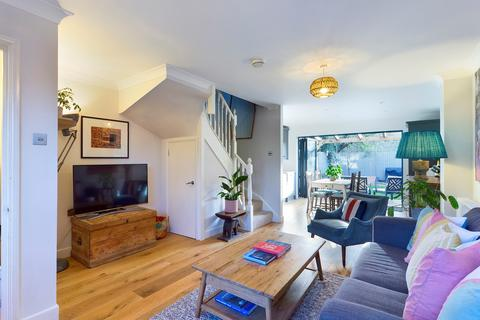 2 bedroom terraced house for sale - Compton Close,  Peckham, SE15