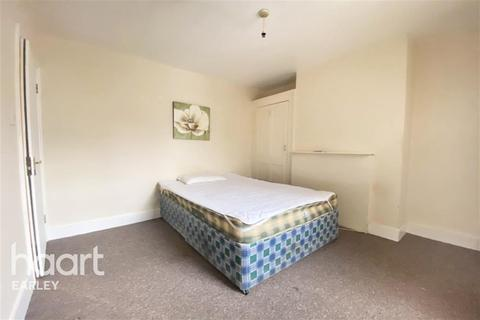 1 bedroom in a house share to rent - Beecham Road, Reading, RG30 2RB