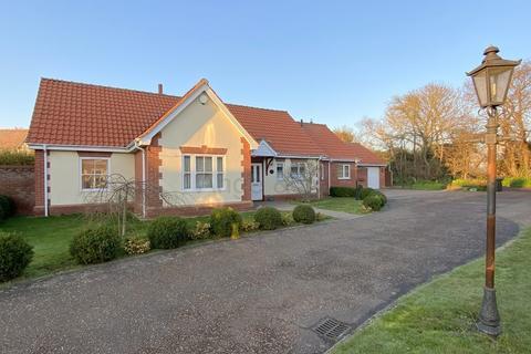 3 bedroom detached bungalow for sale - Grove Gardens, Carlton Colville, Lowestoft