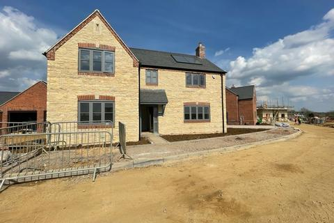 4 bedroom detached house for sale - Glebe Rise, Wymondham, Melton Mowbray