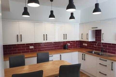 10 bedroom house share to rent - 34 Queens Road